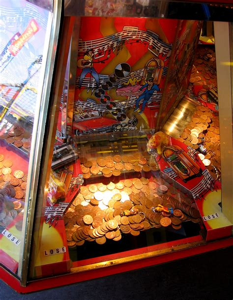 File:Arcade Coin Pusher, detail