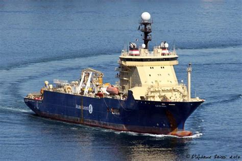 Cable Laying Ship 'Ile de Sein' Recovers Air France Flight