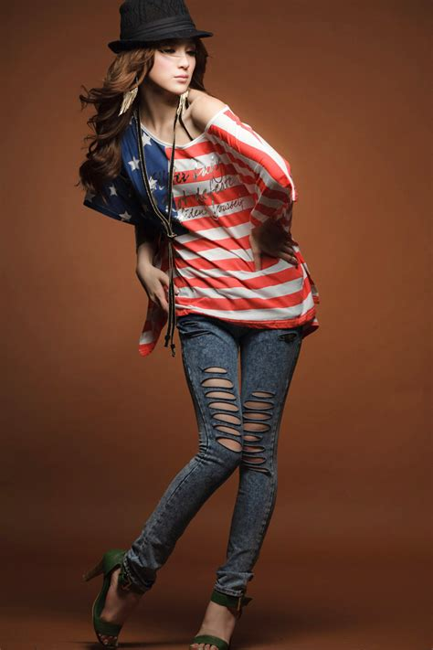 24 AMERICAN FLAG PRINT DESIGN CLOTHING FOR 4th JULY